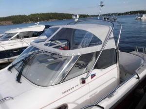 Nysömnad av båtkapell till båt i Djursholm.