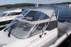 Walkaroundbåt med nytt båtkapell.