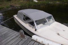 Nytt kapell till båt på Tyresö. Sytt av kapellmakare AL-Inredningar.