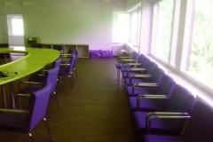 Omklädsel av stolar till konferensrum