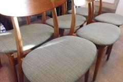 Omklädsel av stolar till kund i Årsta